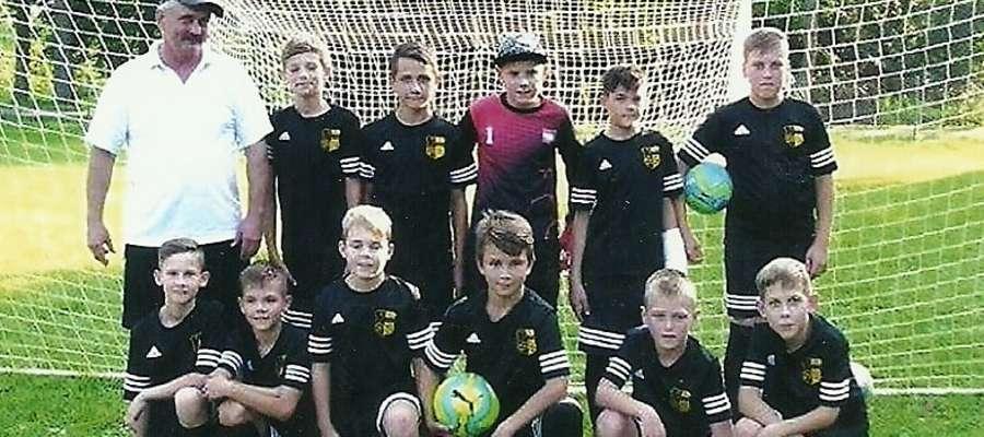 W trenowanie młodych piłkarzy Salętu pan Kazimierz dawał nie tylko serce. Teraz sam potrzebuje pomocy