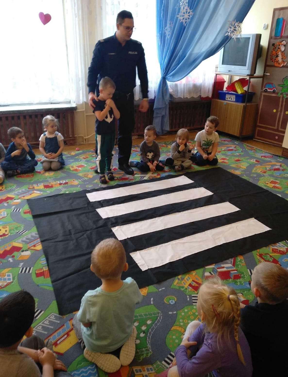 Lidzbarscy policjanci odwiedzili Przedszkole
