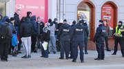 Narodowcy przyszli na happening wolności. Policja uniemożliwiła atak [ZDJĘCIA]
