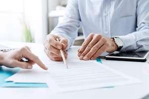 Aby nie płacić podwójnych rachunków, uważaj na to co podpisujesz