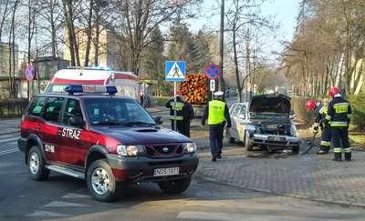 Stłuczka osobowego seata z ciężarówką na Jagiełły