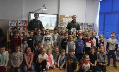 Strażnicy leśni z wizytą u przedszkolaków
