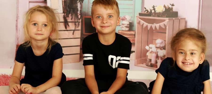 Nadia ma dwójkę młodszego rodzeństwa. Wojtek i Michalina pomagają swojej siostrze i chętnie się razem bawią.