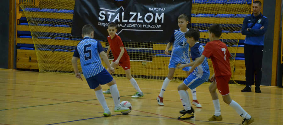 O puchar firmy Stalzłom rywalizowało 10 zespołów