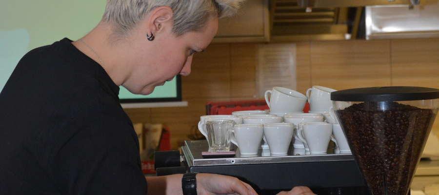 Agnieszka Rojewska ma na swoim koncie m.in. tytuły Mistrz Polski Barista 2016, Mistrz Polski Latte Art 2016 oraz 2018 World Barista Championship wywalczony w Amsterdamie