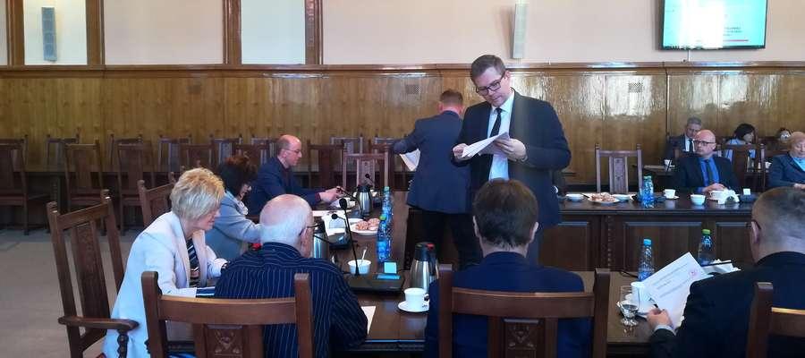 Ławnicy sądowi zostali wybrani przez elbląskich radnych w tajnym głosowaniu