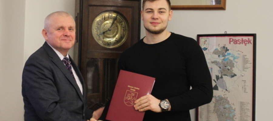Stypendium sportowe dla Kacpra Oleszczuka