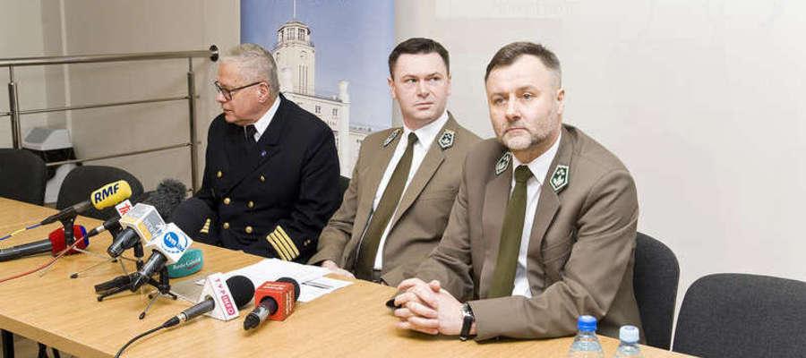 O wycince drzew na Mierzei Wiślanej rozmawiano podczas konferencji prasowej w Urzędzie Morskim w Gdyni