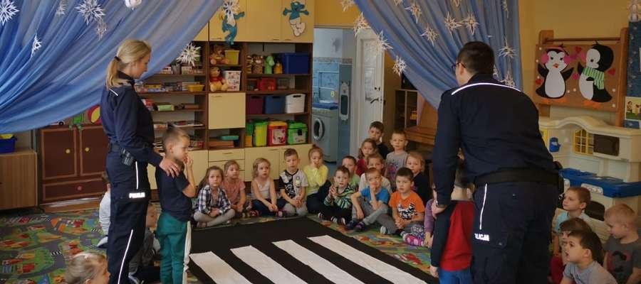 """Lidzbarscy policjanci odwiedzili Przedszkole """"Miś"""""""