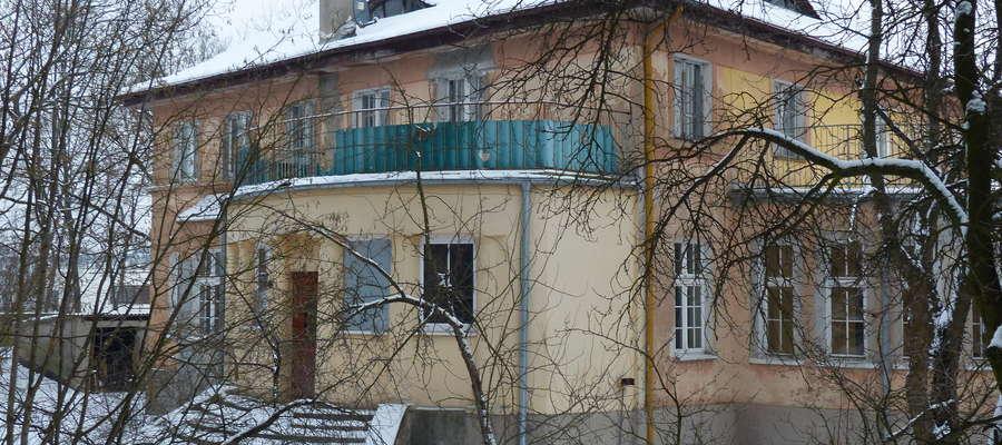 Jak nam przekazał dziś (wtorek 5 lutego) burmistrz Iławy Dawid Kopaczewski, ratusz w najbliższym czasie nie planuje wystawiać ponownie na sprzedaż willę przy ul. Mazurskiej 2