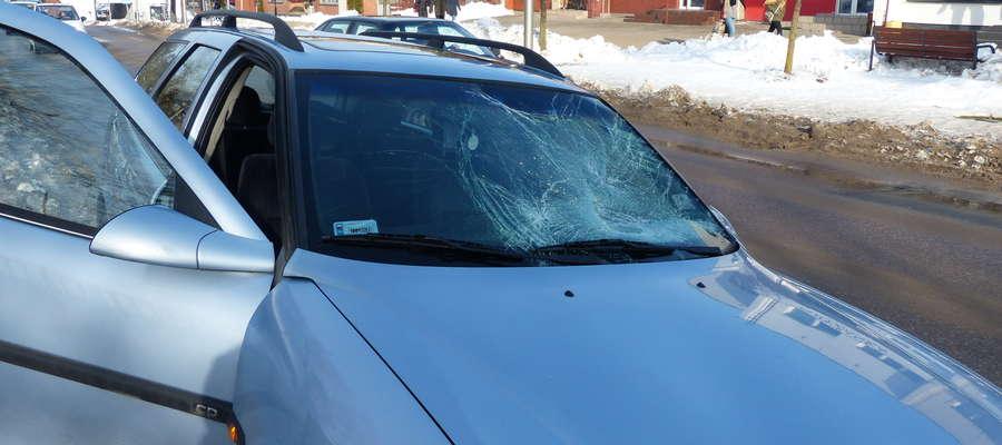 Kierujący pojazdem mieszkaniec powiatu nowomiejskiego nie zdążył wyhamować, pieszy został uderzony przez samochód i wylądował na jego masce i przedniej szybie