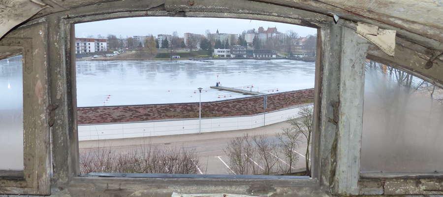 Widok ze strychu willi przy ul. Mazurskiej 2 na wschód