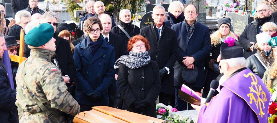 Ciało śp.profesora Ryszarda Juszkiewicza spoczęło w rodzinnym grobowcu na Cmentarzu Parafialnym w Mławie