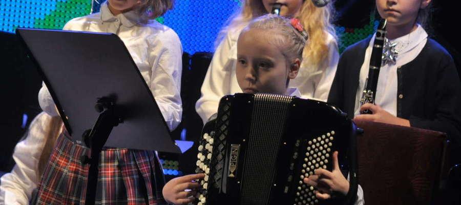 Gra na instrumencie oraz ogólne zajęcia muzyczne gwarantują wszechstronny rozwój intelektualny dziecka