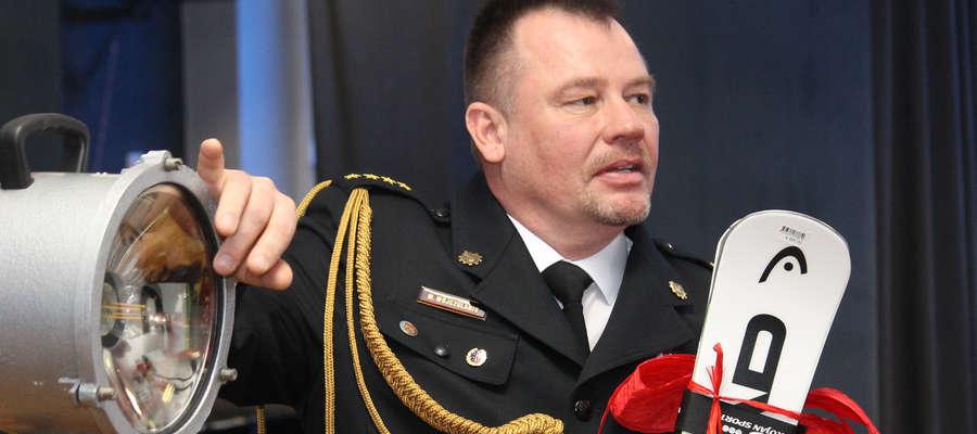 St. kpt. Marek Wojczulanis, zastępca komendanta powiatowego Państwowej Straży Pożarnej w Bartoszycach pożegnał się z mundurem.