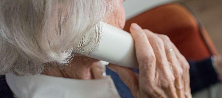 Policja apeluje o ostrożność podczas rozmów telefonicznych