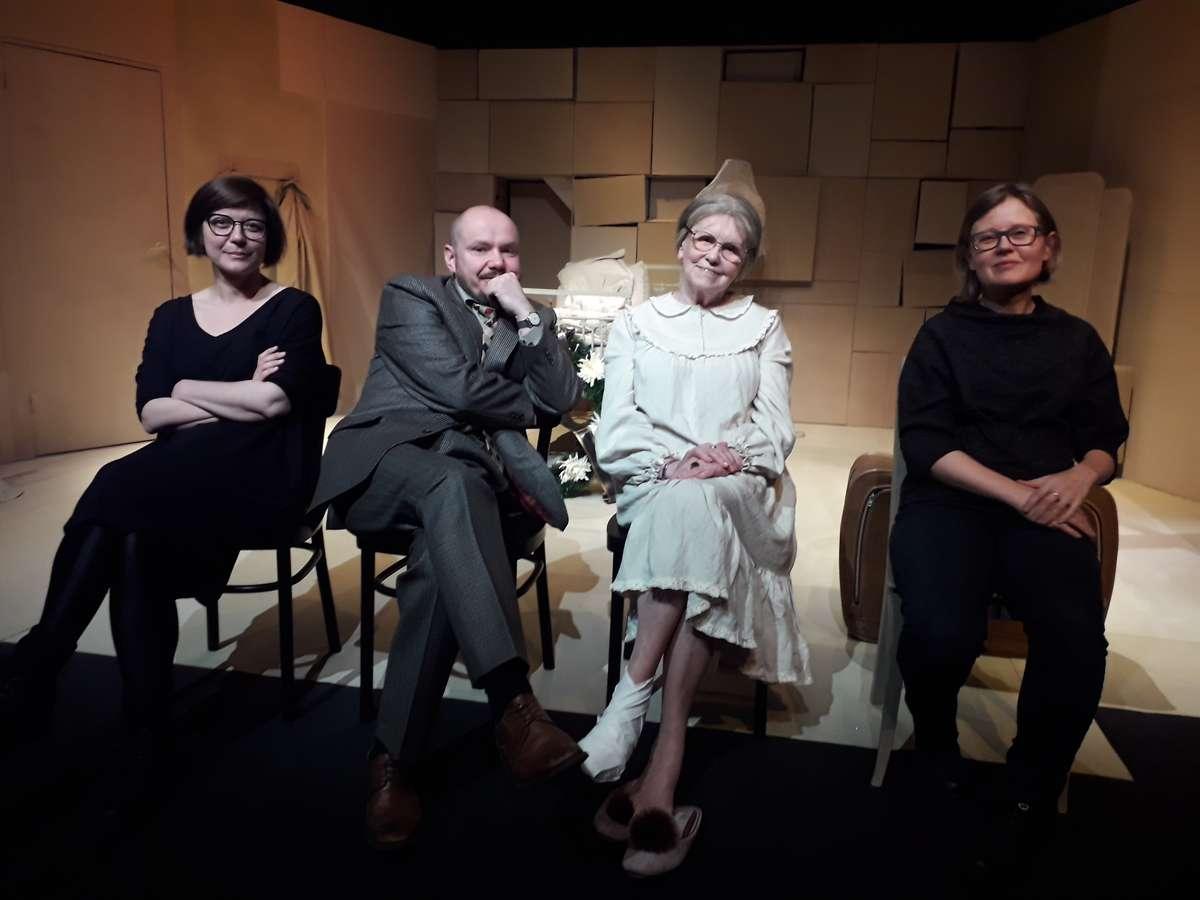 Twórcy spektaklu:Justyna Celeda, Grzegorz Gromek, Irena Telesz, Izabela Kalka