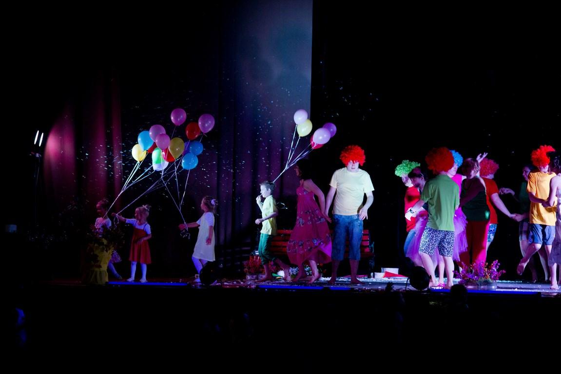 Teatr Rodziny Korzunowiczów. Od 1984 roku podążają w