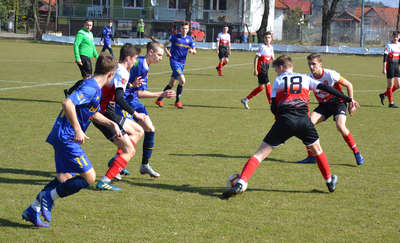 Juniorzy młodsi AP Ostróda zwyciężyli w pierwszym wiosennym meczu [zdjęcia]