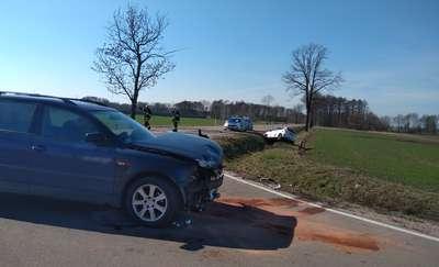 Wypadek samochodowy między Przasnyszan, a Zawadkami