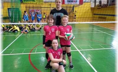 Najmłodsze siatkarki z Lipowca w Ogólnopolskim Turnieju