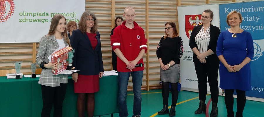 Anna Wróblewska, na zdjęciu pierwsza z lewej