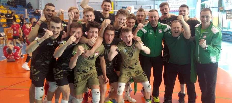 Juniorzy AZS UWM Olsztyn cieszą się z awansu do grona ośmiu najlepszych drużyn w Polsce