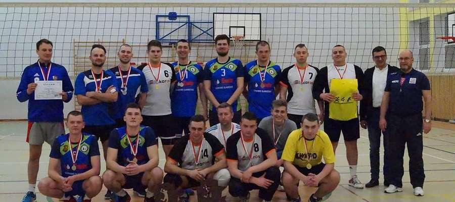 Finaliści siatkarskiej ligi mężczyzn w sezonie 2018/2019: Karos (białe koszulki) i Górowo Iławeckie