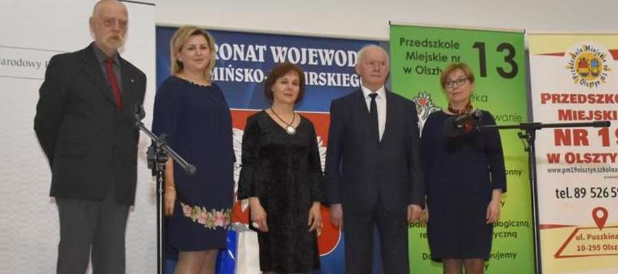"""Dyrektorka szkoły Wioletta Kozłowska wzięła udział w spotkaniu w ramach Programu edukacyjnego """"100-lecie złotówki. Oszczędzanie się opłaca"""""""