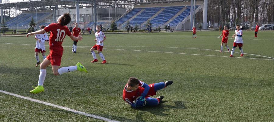 Młodzicy AP Ostróda piłkarską wiosnę zaczęli od porażki