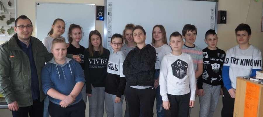 Uczniowie ze SP7 poznali tajniki dziennikarstwa
