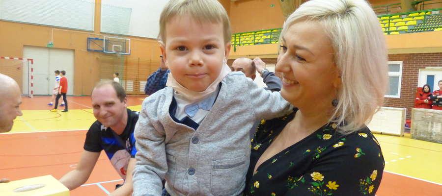 Dominik Więcek i jego rodzina dziękują za pomoc