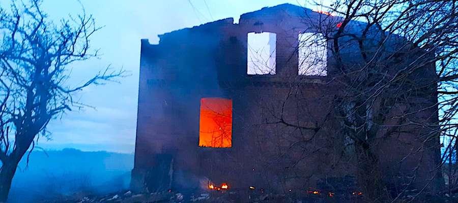 Spalony budynek mieszkalny w Zwiniarzu