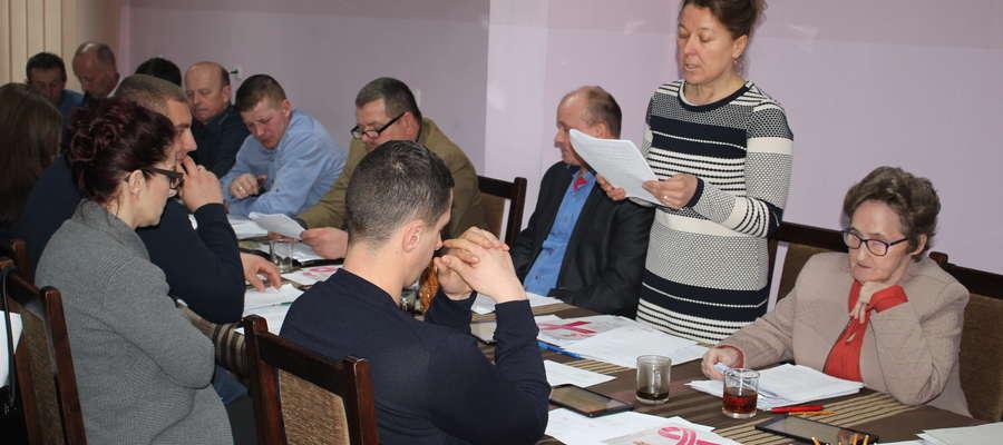 Radna Teresa Radomska (pierwsza z prawej) dziękowała władzom gminy za skuteczne działania w celu przywrócenia autobusu na trasie Siemiątkowo-Żuromin