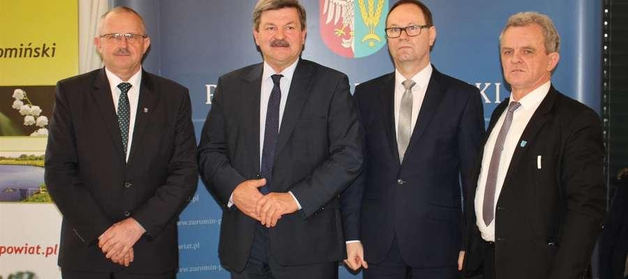 Gośćmi gospodarzy konferencji – starosty i wicestarosty – byli europoseł Jarosław Kalinowski oraz poseł Piotr Zgorzelski
