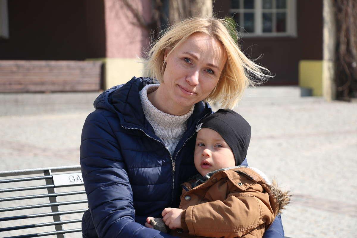 Karolina Słodowska ( na zdjęciu z synem Antkiem): — Kobiety w wydawaniu pieniędzy są rozsądne