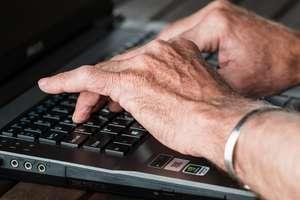 Policjanci przestrzegają przed nowymi oszustwami w sieci