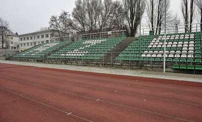 Krzesełka ze stadionu UWM trafią do... Stomilu