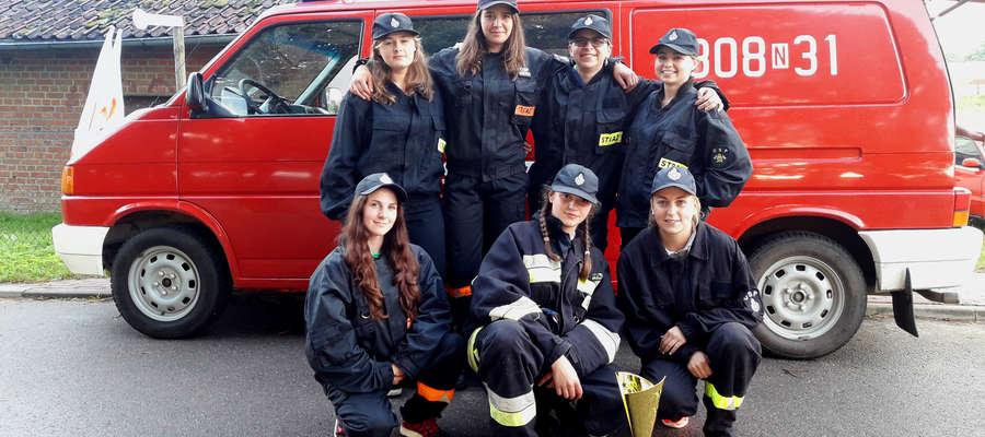Kobieca drużyna pożarnicza OSP Derc