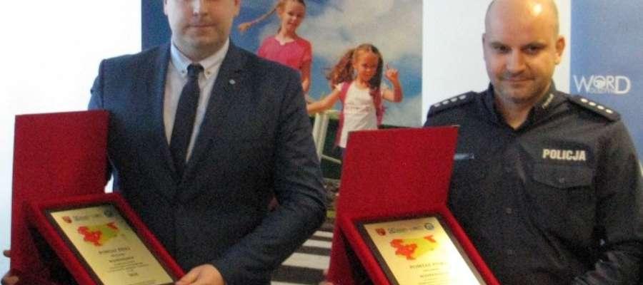 (Z prawej) Kom. Marcin Karmowski