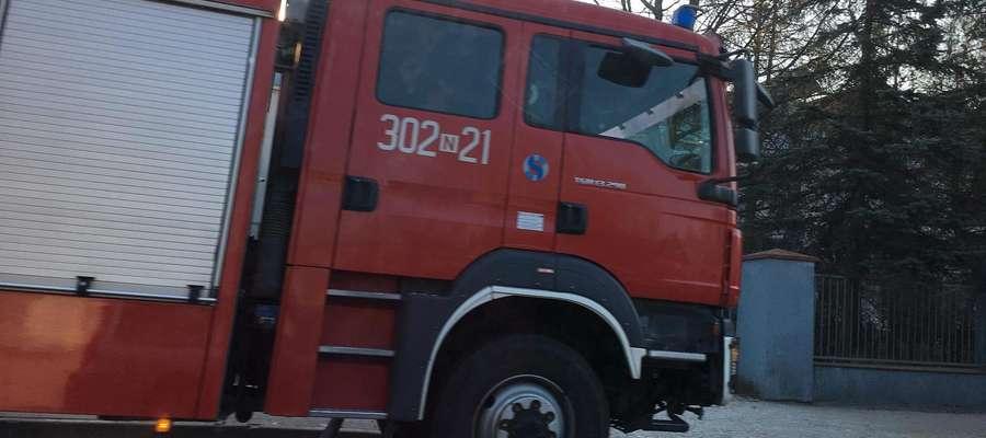 Pożar w gminie Młynary. Spłonęły już dwa hektary lasu!
