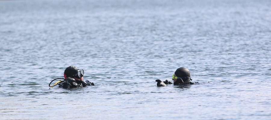 Sprzątanie jeziora Żbik