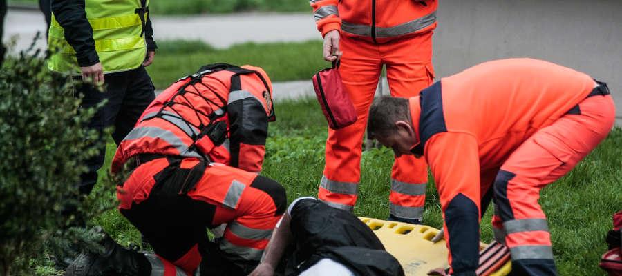 W wyniku postrzału ucierpieli dwaj mężczyźni
