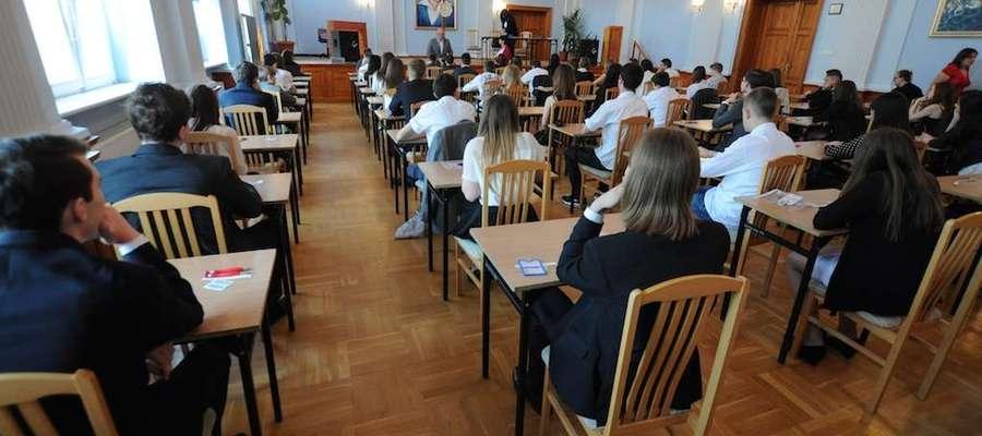 Zdjęcie stanowi jedynie ilustrację do tekstu (egzamin gimnazjalny w Gimnazjum nr 8 w Elblągu, 2014 rok)