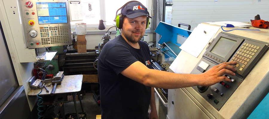Firma AT4B pracuje na nowoczesnych obrabiarkach CNC