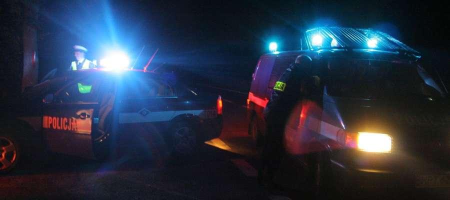Pijany 32-latek leżał na drodze