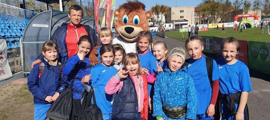 Dziewczęta z Samborowa zajęły 3. miejsce w kategorii U-10
