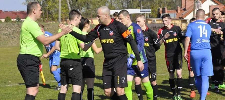 Piłkarze LKS Tyrowo przegrali z liderem w Jonkowie