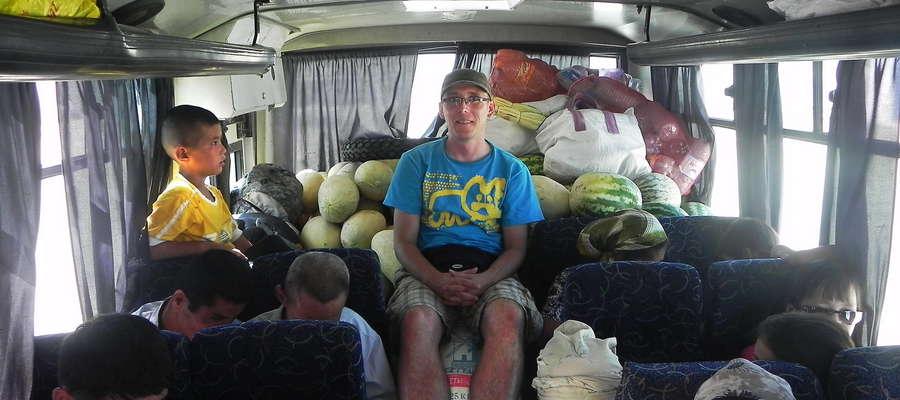 Karol Fryta przed laty w drodze do Mujnaku w Uzbekistanie