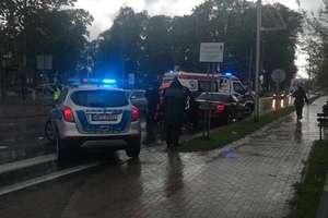 Wypadek na przejściu dla pieszych. Kierująca skodą potrąciła dwie dziewczynki